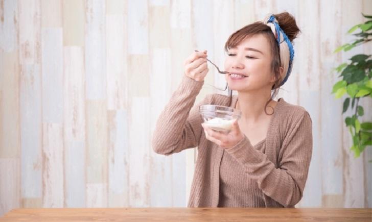 ヨーグルトの乳酸菌は活性が弱い